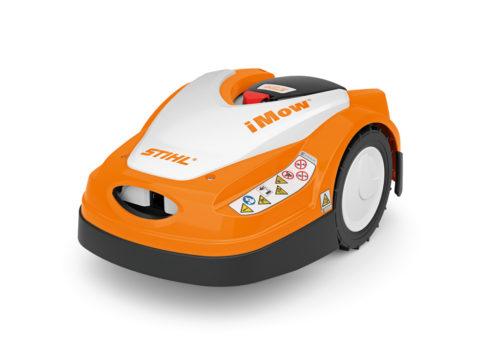 Stihl Mähroboter RMI 422 automatischer Rasenmäher auf weißen Hintergrund