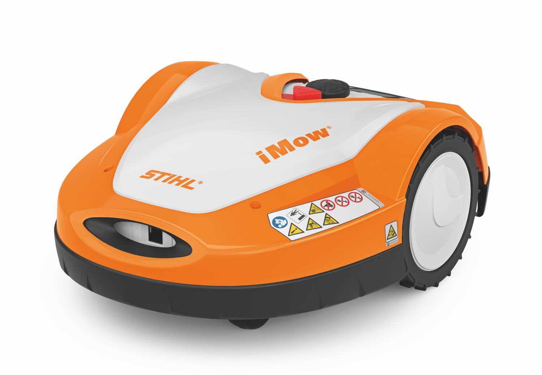 Stihl Mähroboter RMI 632 automatischer Rasenmäher auf weißen Hintergrund